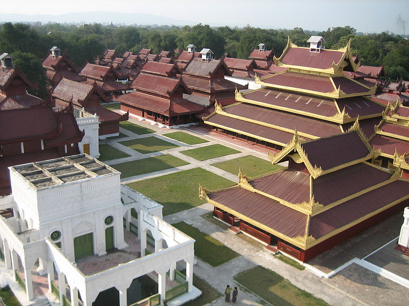 800px-mandalay-palace-from-watch-tower