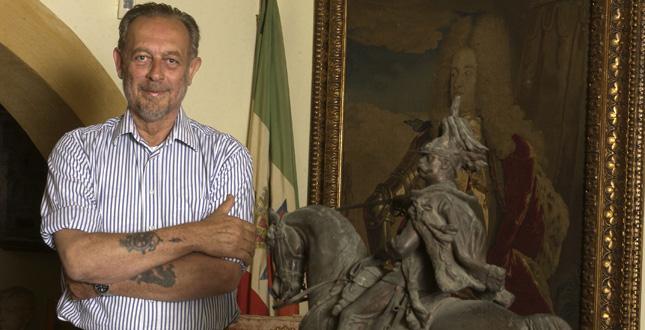 Il duca Amedeo d'Aosta nella sua casa in Toscana © Gerald Bruneau
