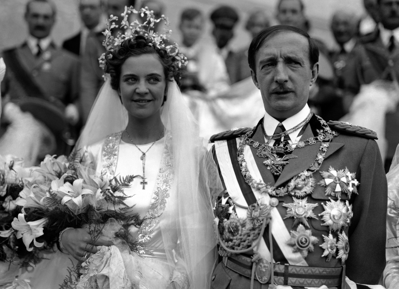 King Zog of Albania, 42 years, was married to Countess Geraldine Apponyi, 22 year old from Hungary. Ceremony was conducted according to Albanian civil code, King Zog is Moslem, Countess Geraldine is a Catholic. Huge crowds invaded the capital, filled the streets with echoes as they sang and danced. The royal couple left for Durazzo on the Adriatic to spend their honeymoon in a palace overlooking the sea. Close-up of King Zog and Queen Geraldine after the wedding, on April 27, 1938, in Tirana, Albania. (AP Photo)